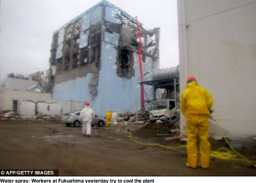 Fukushima Fifty First pictures emerge from inside Japan s stricken nuclear power plant | Mail Online 2