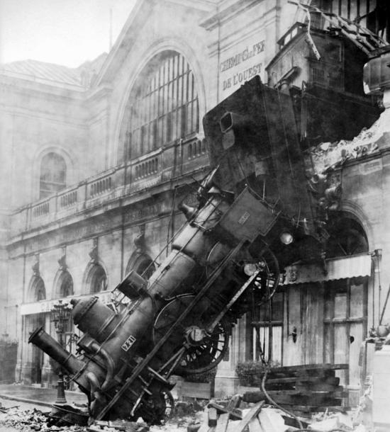 Train wreck at Montparnasse 1895 Montparnasse derailment Wikipedia